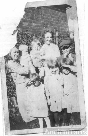 Ruth/Caroline Dillon and Children