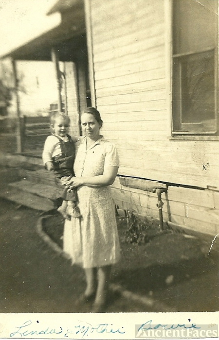 Linda Criger and Grandmother Mattie Hulse Bowie