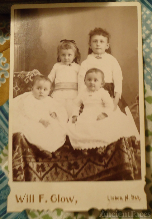 Four unknown children, North Dakota