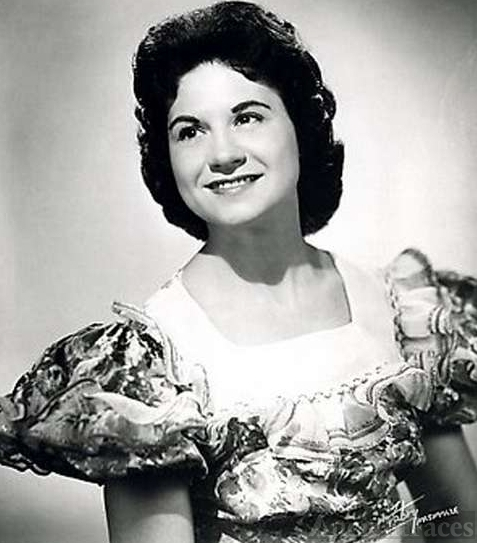 Kitty Wells - Country Singer dies