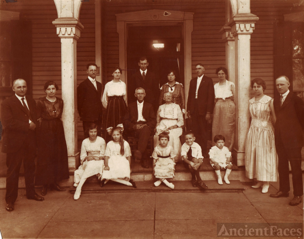 William J. Biggers Family circa 1919