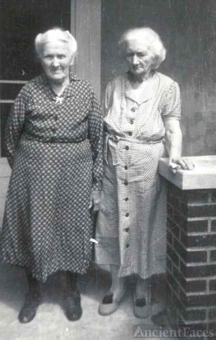 Two Kollross, Porter, or Moessmer women