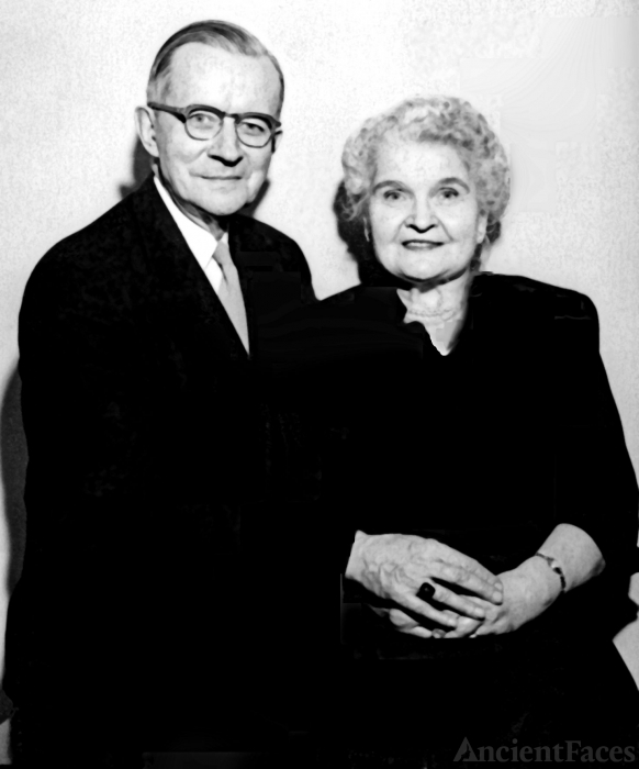 Charles and Frieda Behnke