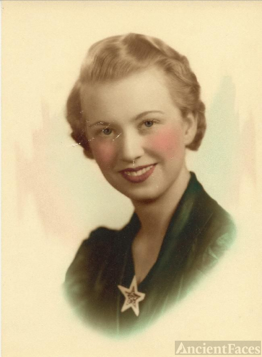 Madelyn Frances Kerr, about 20