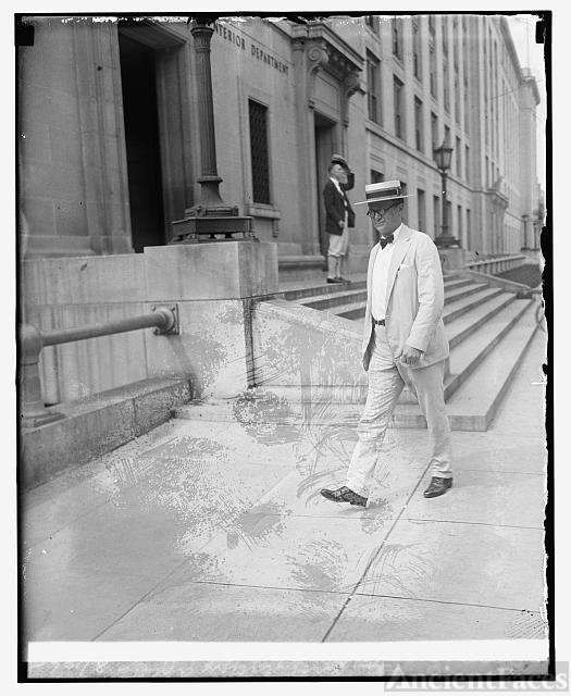 E.C. Yellowly, Chief of gen. prohibition agents, 8/18/25
