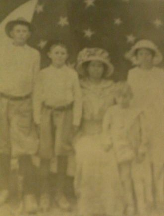 Adeline (Carlew) Dunn family