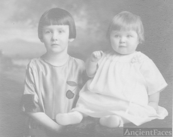 Grace & Deloris Peterson, Minnesota c1924