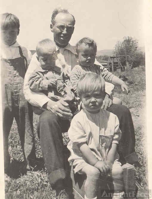 Unknown Branson man with 4 children