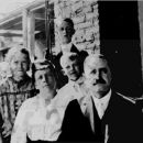 Nellie Garcelon & Eugene Comerford Family, 1915