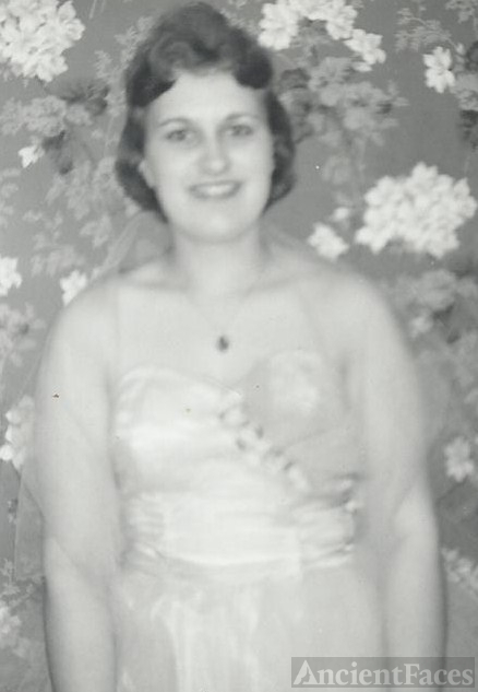 Gloria Bubar Prom Photo, Maine