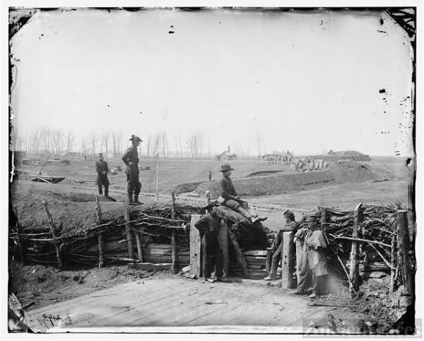 [Manassas, Va. Confederate fortifications, with Federal...