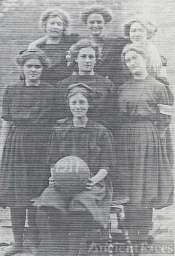 1911 Girls BasketballTeam