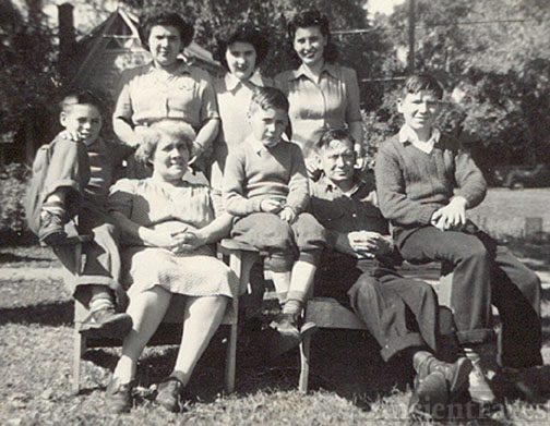 The Ramage family WI 1943