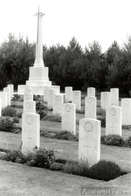 Canadian Wargraves at Leubringhen, Calais, France