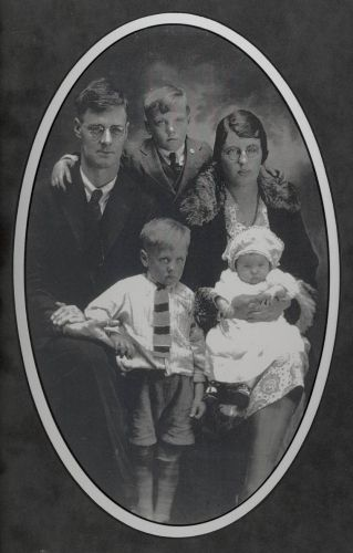Young Walter Vallis Family 1929
