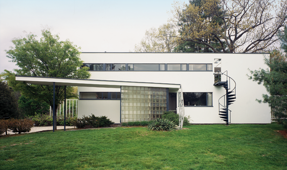 Fig. 4: Gropius House, Lincoln, Massachusetts, 1938. The family residence of Bauhaus founder Walter Gropius. Photography by David Carmack.
