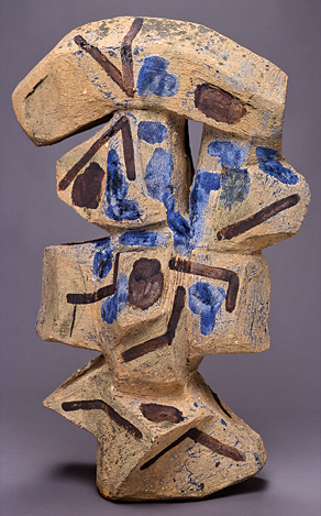 Fig. 7: Peter Voulkos, Vee, 1958. Stoneware, sand, iron and cobalt brush drawing. 35-1/4 x 22-1/2 in. (89.5 x 57.2 cm). Fine Arts Museums of San Francisco, Gift from the Estate of John Lowell Jones and Charlotte Johnson Jones (2004.36.1).