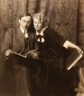 Fig. 3: Edgar Alwin Payne (1883–1947) Edgar and Elsie Payne, 1913 Photographer unknown Courtesy of DeRu's Fine Arts