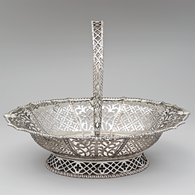 Fig. 3: Myer Myers (1723–1795), Basket, New York City, 1770–1776. Silver. H: 11-3⁄16, W: 14-7⁄16, D: 11-3/8 in.; WT: 41 oz. 5 dwt (1282.7 g). Morris K. Jesup Fund, 1954 (54.167).