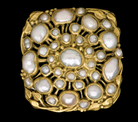 Fig. 5: Brooch, Josephine Hartwell Shaw, Boston, Massachusetts, about 1913. Gold, blister pearls. Gift of John Templeman Coolidge, Jr. and others (13.1698).