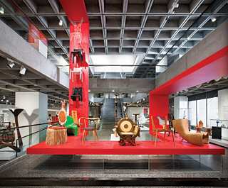 Reinstallation of the Decorative Arts and Design Gallery. Photography © Marc Cramer.
