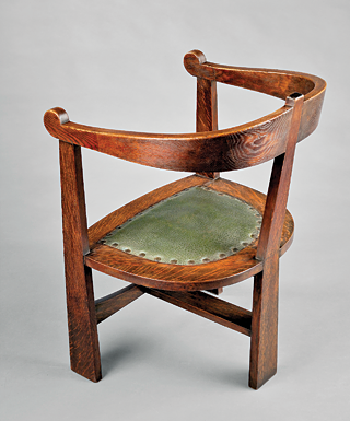 Fig. 5: Oxbow armchair designed by David Robertson Smith (dates not known); manufactured by Stickley Brothers (Albert and John George) (1891–ca. 1932), Grand Rapids, Mich., ca. 1903. Oak, original green leather upholstery, handwrought copper. H. 32-3/4, W. 23, D. 22 in.