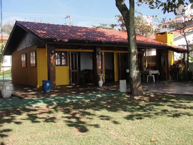 Casa Código 10572 para alugar em temporada no bairro Ingleses na cidade de Florianópolis