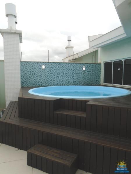 34. Terraço com piscina âng. 3