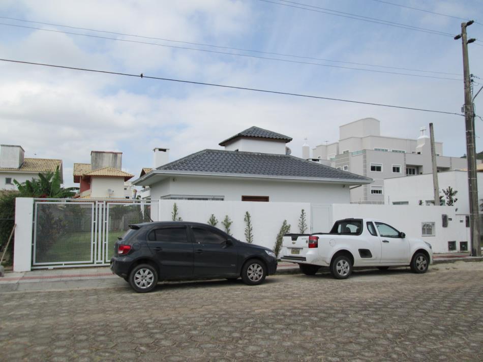 Casa-Codigo-11563-a-Venda-no-bairro-Ingleses-na-cidade-de-Florianópolis