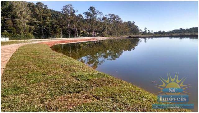 10. lago com pista de caminhada