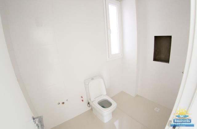 14. Banheiro Suíte 3