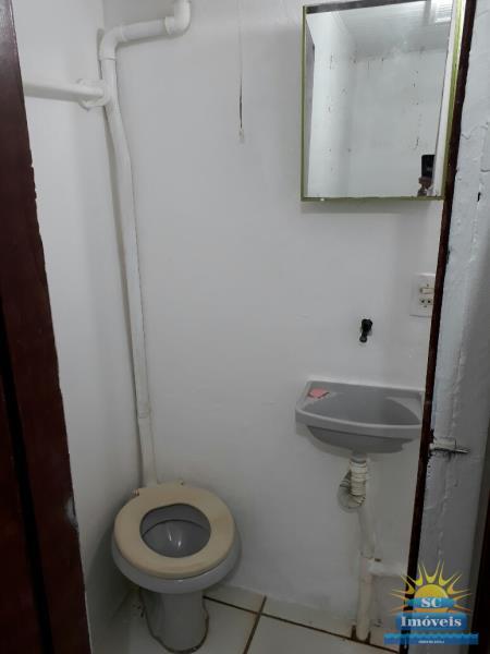 18. banheiro apto fundos