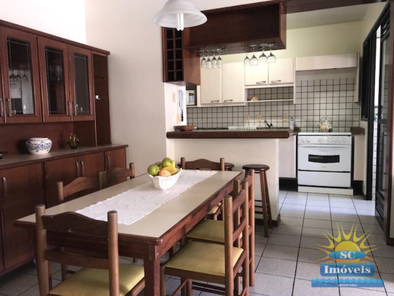 7. Sala de jantar/cozinha