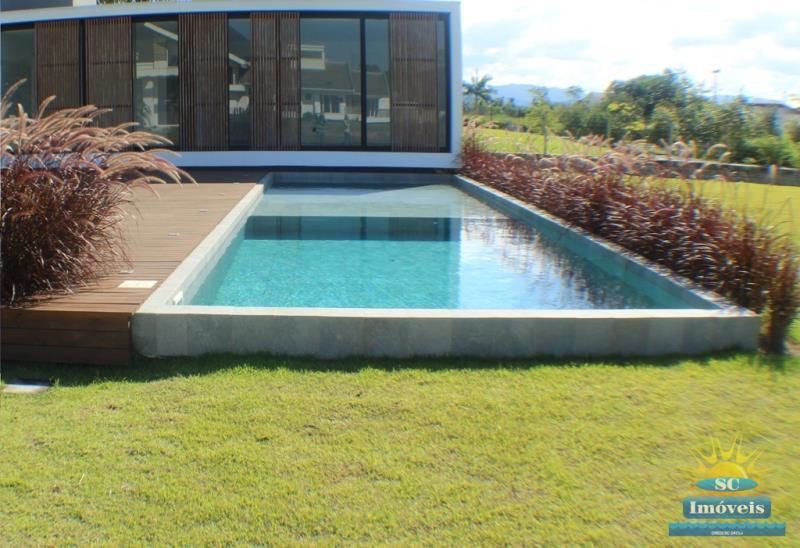 8. piscina