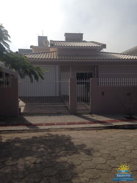 Casa-Codigo-14121-a-Venda-no-bairro-Ingleses-na-cidade-de-Florianópolis