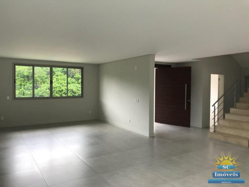 Casa Código 14163 a Venda no bairro Cachoeira do Bom Jesus na cidade de Florianópolis