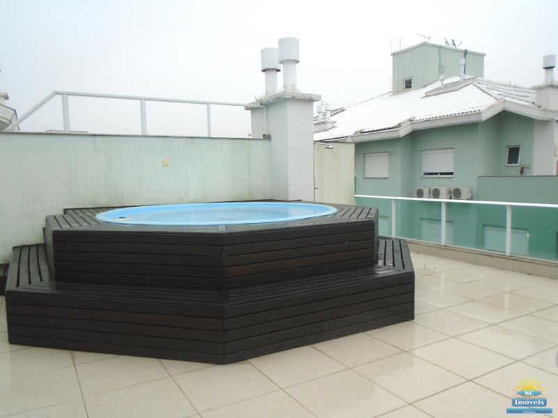24. Terraço piscina/churrasq. âng. 2