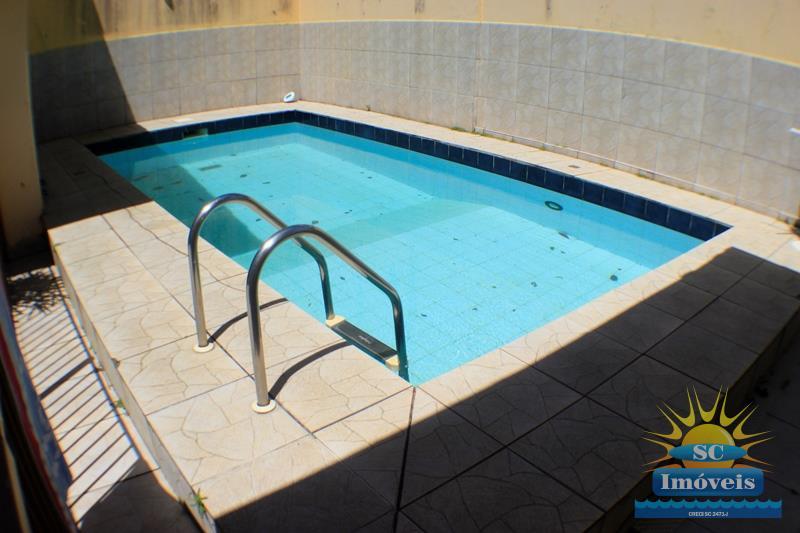 32. piscina