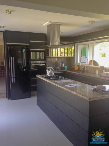 15. Cozinha casa principal âng. 2