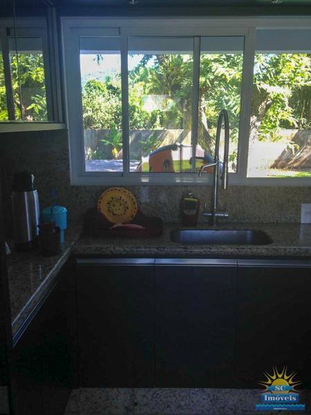 16. Cozinha casa principal âng. 3