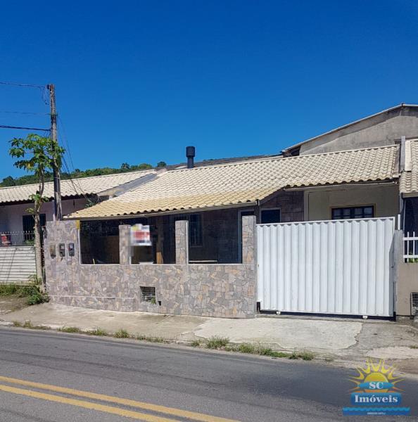 Casa Código 14441 a Venda no bairro Cachoeira do Bom Jesus na cidade de Florianópolis
