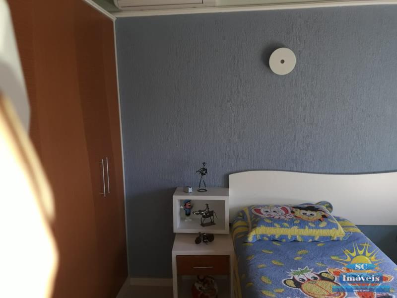 18. Dormitório 2