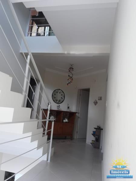 13. Escada 2º Pavimento