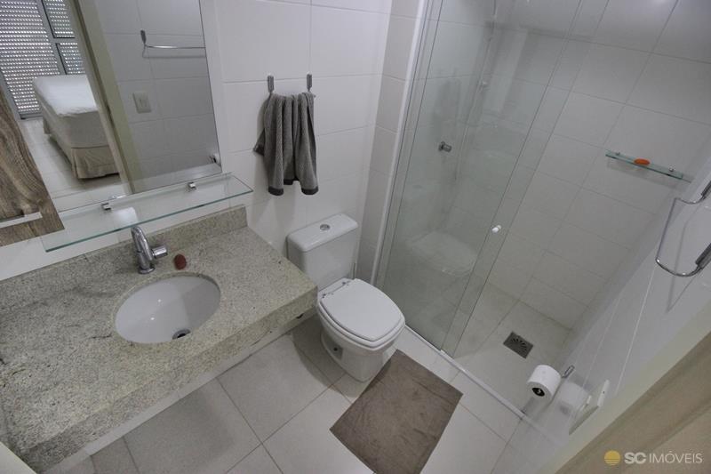 16. banheiro suite ang 2