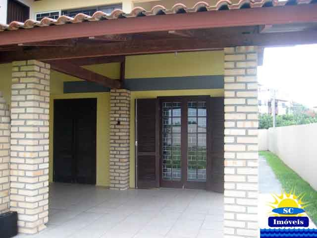 Casa-Codigo-4142-a-Venda-no-bairro-Ingleses-na-cidade-de-Florianópolis