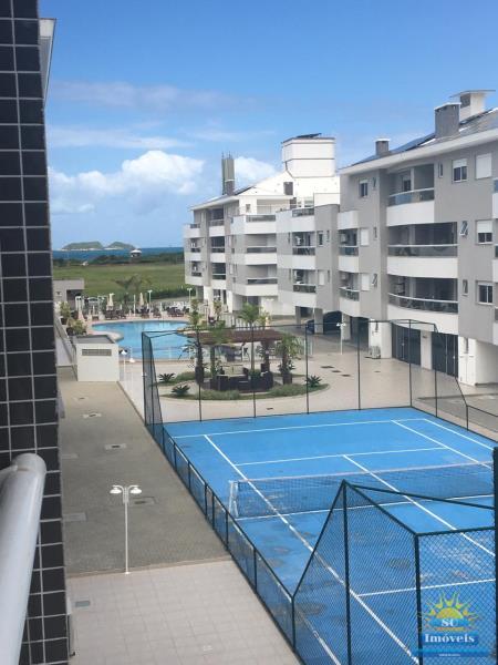 14. Quadra e piscina