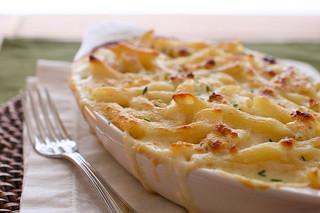 Roasted Garlic Mac and Cheese