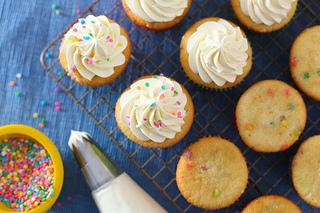 Cupcake Basics: Whipped Vanilla Buttercream