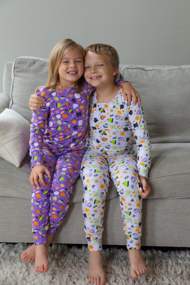 oh please you think my kids actually look that sweet i had to take dozens of photos to get one or two nice ones like the above the rest are 60 blurry