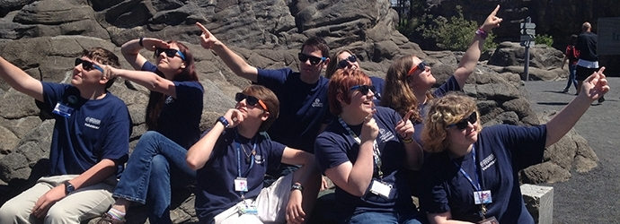 Youth Volunteers Start a Summer of Science at the Oregon Coast Aquarium